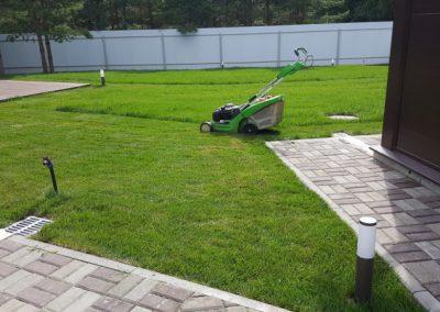 Стрижка газона на участке, село Ильинское
