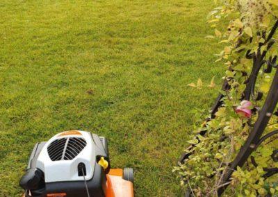 Аэрация газона и сезонное обслуживание на приусадебном участке